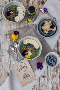 green-smoothie-bowl-4-von-8-831x1247